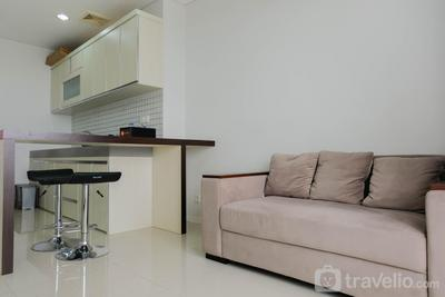 Luxurious and Comfy 2BR Paddington Heights Alam Sutera Apartment By Travelio