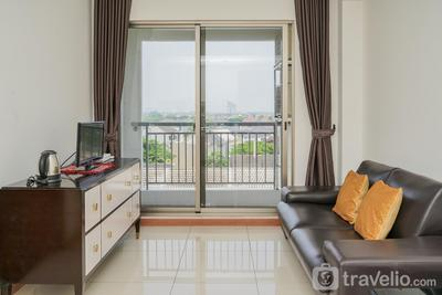 Simply Modern and Minimalist 1BR at M-Town Signature Apartment By Travelio