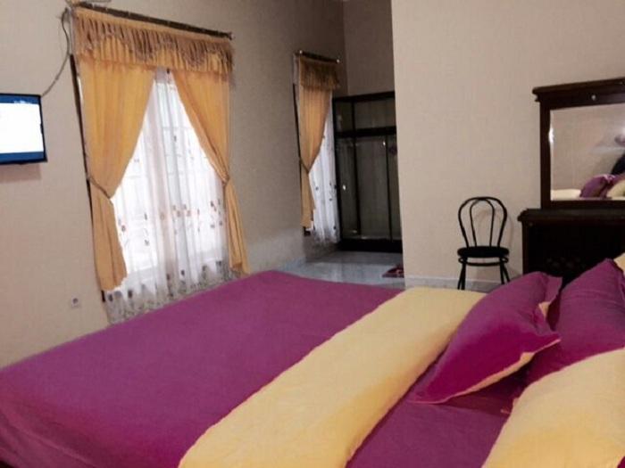 4 Bedrooms Gowinda House I
