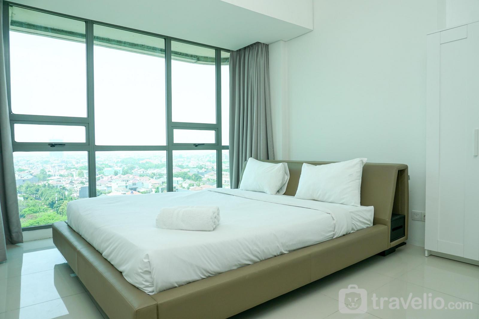 St. Moritz Puri - Luxurious 3BR near Shopping Mall at St. Moritz Apartment By Travelio