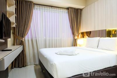 Modern 1BR Oasis Cikarang Apartment By Travelio
