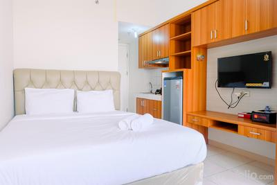 Comfy Studio with City View @ Springlake Bekasi Apartment By Travelio