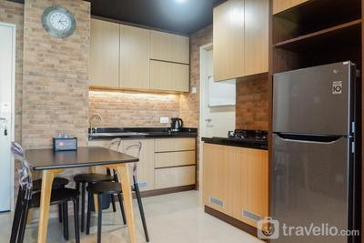 Premium 2BR Apartment at Supermall Mansion Orchard By Travelio