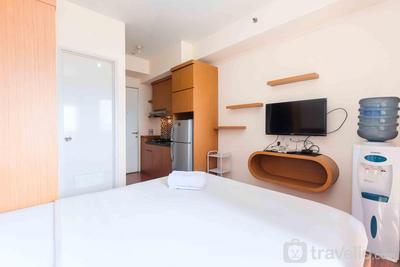 Homey and Cozy Living Studio at Pakubuwono Terrace Apartment By Travelio