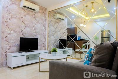 Modern and Homey 1BR L'Avenue Pancoran Apartment By Travelio