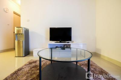 Homey 2BR Signature Park Grande Apartment By Travelio