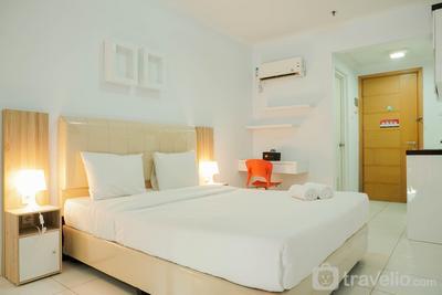 Simply Strategic and Homey Studio Signature Park Tebet Apartment By Travelio