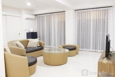 Homey 4BR Apartment at Landmark Residence By Travelio