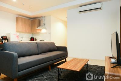 Elegant 1BR Veranda Residence @ Puri Apartment by Travelio