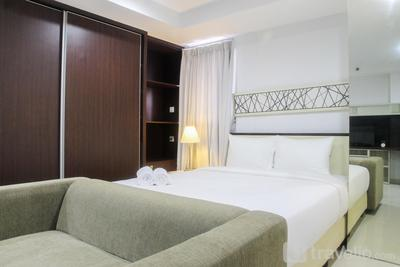 Azalea Suites Cikarang Studio Apartment with Bathtub By Travelio