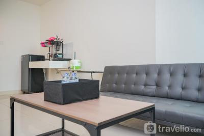 Spacious and Cozy 1BR at Tree Park Apartment By Travelio