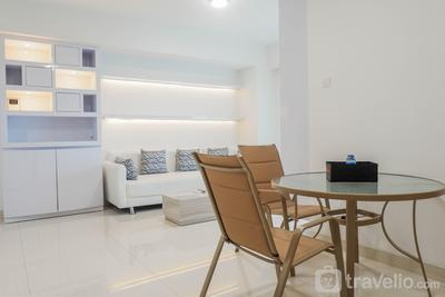 Luxury 2BR Apartment at Supermall Mansion La Riz By Travelio