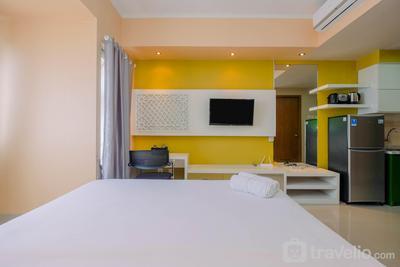 Highest Value Studio Apartment at The Oasis Cikarang By Travelio