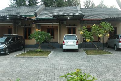 2 Bedroom @ Rumah Uti 1