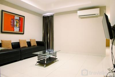 Spacious 2BR The Mansion Kemayoran Apartment By Travelio