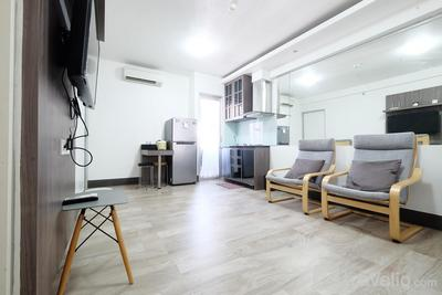Spacious 1BR Apartment at Green Bay Pluit By Travelio