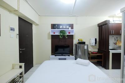 Minimalist Studio at Kebagusan City Apartment By Travelio