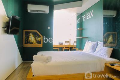 Compact and Artsy Studio Cinere Bellevue Apartment By Travelio