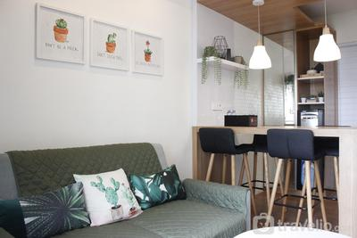 Classic and Comfy 2BR @ Gateway Pasteur Apartment By Travelio