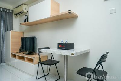 Best Spacious Studio Belmont Residence Puri Apartment By Travelio