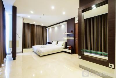 Modern Elegant Design 2BR L'Avenue Apartment By Travelio
