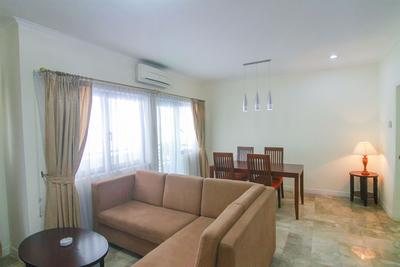 1BR European Style Spacious Kemang Apartment By Travelio