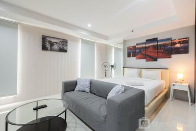 Elegant and Comfy Studio Azalea Suites Apartment Cikarang By Travelio