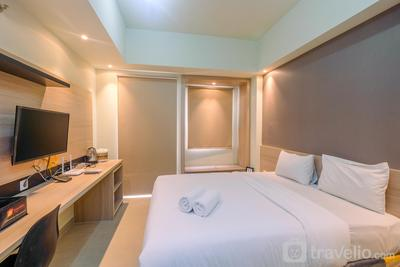 New Furnished with Cozy Stay @ Studio Mustika Golf Residence Apartment By Travelio