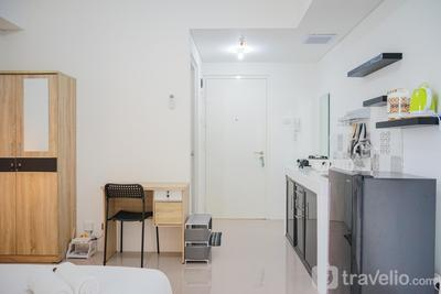 New Furnished Studio with City View @ Silktown Apartment By Travelio