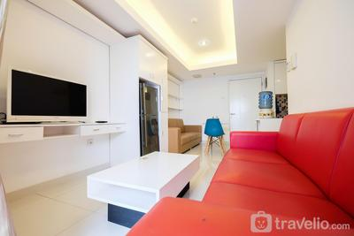 1BR The Wave Apartment near Kota Kasablanka By Travelio