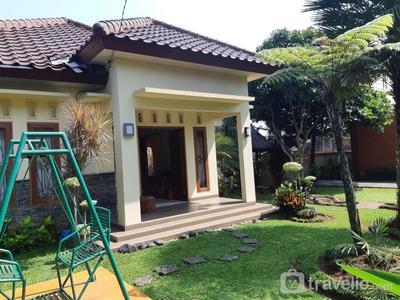 Natural Adventure Villa @ Kebun Akung Villa Bogor