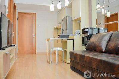 Warm and Modern Cozy 2BR @ Cinere Bellevue Apartment By Travelio