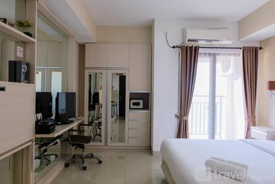 Best Price Studio Apartment at Atria Residence near Mall By Travelio