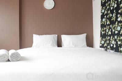 Bright & Trendy 1BR Gateway Pasteur Apartment near Exit Toll By Travelio