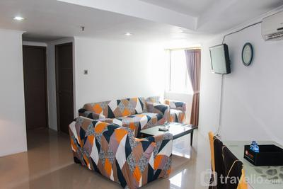 Stunning 2BR at Green Central City Apartment By Travelio