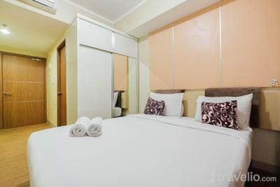 Modern Style Studio Apartment at The Oasis Cikarang By Travelio