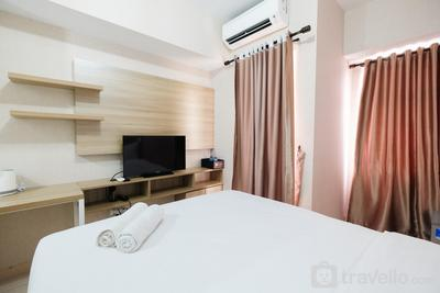 Comfy Studio at The Springlake Summarecon Bekasi By Travelio