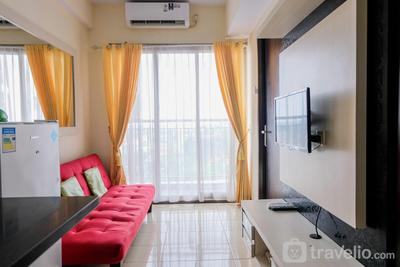 Homey 2BR at Serpong Greenview Apartment By Travelio